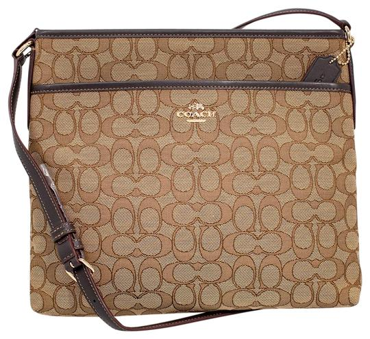 Preload https://img-static.tradesy.com/item/23589703/coach-file-in-outline-signature-khakibrown-canvas-cross-body-bag-0-1-540-540.jpg