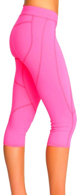 Preload https://img-static.tradesy.com/item/23590301/bebe-bright-pink-sport-seamed-capri-activewear-bottoms-size-4-s-27-0-1-650-650.jpg
