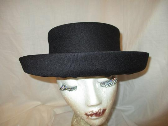 Hats by Mr. Robinson vintage Image 1