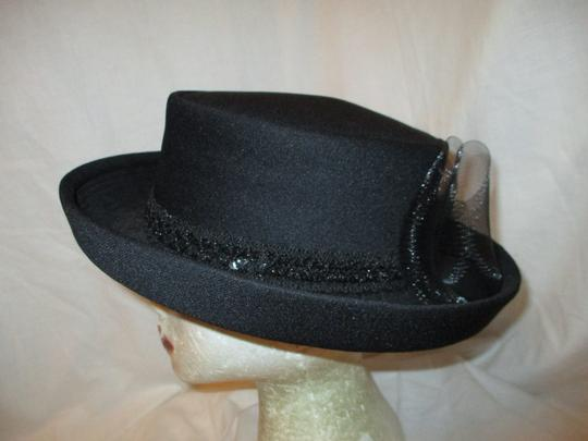 Hats by Mr. Robinson vintage Image 3