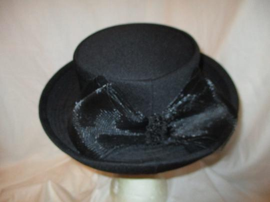 Hats by Mr. Robinson vintage Image 4