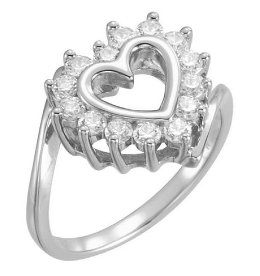 Apples of Gold HEART-SHAPED 0.21 CARAT DIAMOND RING IN WHITE GOLD Image 2
