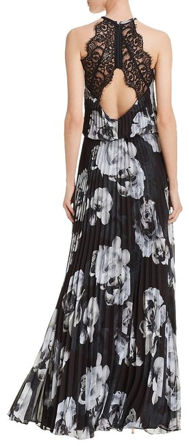 Preload https://img-static.tradesy.com/item/23591211/black-and-white-pleated-chiffon-gown-long-formal-dress-size-10-m-0-1-650-650.jpg