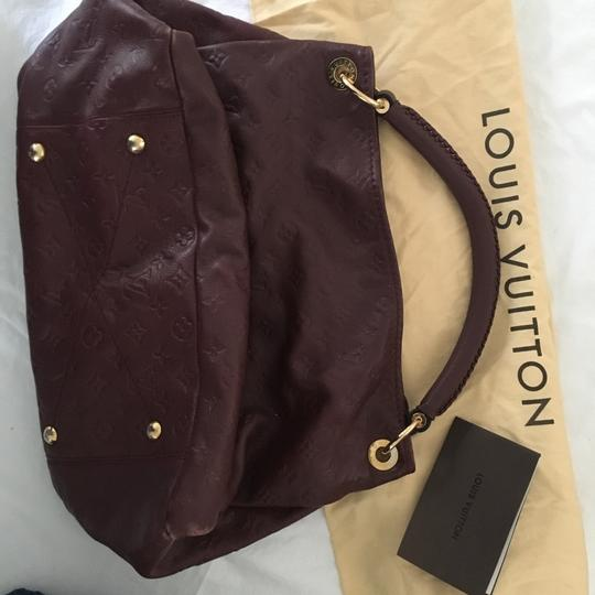 Louis Vuitton Hobo Bag Image 6
