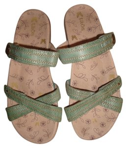 Taos Footwear Green Sandals