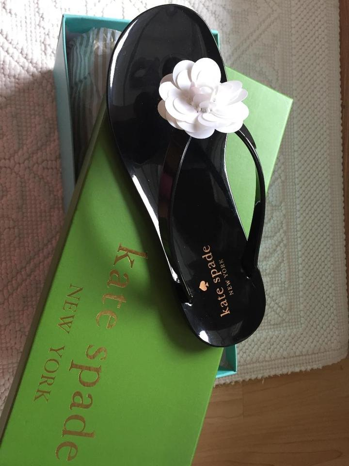 24f7fd9e0f32 Kate Spade Black Fiorina with White Flower Rubber Flip Flops Sandals Size  US 5 Regular (M
