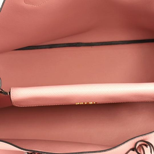 Prada Leather Tote in pink Image 5