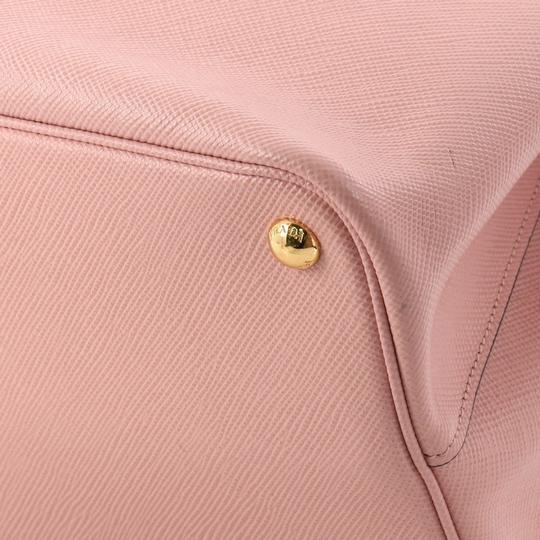 Prada Leather Tote in pink Image 6