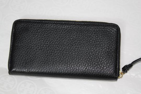 Tory Burch NEW TORY BURCH BLACK LOGO LEATHER CONTINENTAL ZIP WALLET BAG NWT Image 6