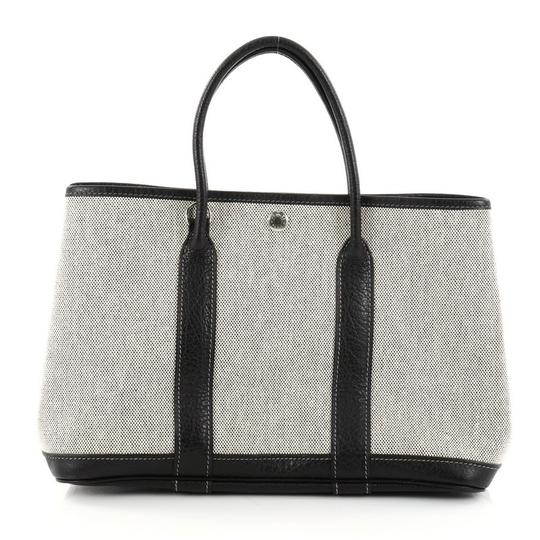 Preload https://img-static.tradesy.com/item/23592965/hermes-garden-party-30-off-white-and-black-toile-leather-tote-0-0-540-540.jpg