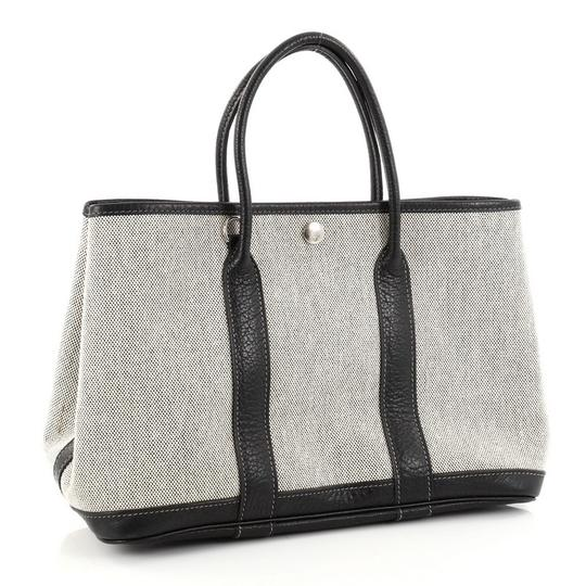 Hermès Leather Tote in Off-white and Black Image 2