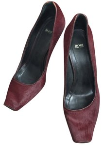 hugo Boss Gold Accent Red Wine Pumps