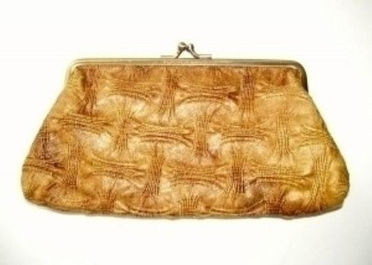 Preload https://item5.tradesy.com/images/kenneth-cole-reaction-small-bronze-woven-cloth-clutch-23594-0-0.jpg?width=440&height=440