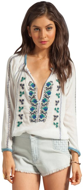 Preload https://img-static.tradesy.com/item/23594096/joie-chava-embroidered-tunic-size-4-s-0-1-650-650.jpg