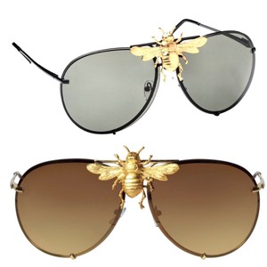 3e4c3ceabe7 Gucci 14K Plated bee aviator. Gucci Gold Black 14k Plated Bee Aviator  Sunglasses