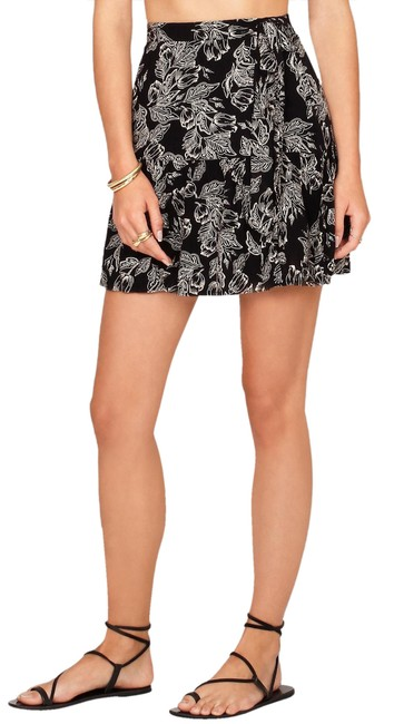 Amuse Society Black Printed Wrap Skirt Size 4 (S, 27) Amuse Society Black Printed Wrap Skirt Size 4 (S, 27) Image 1