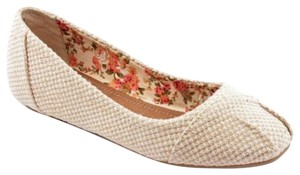 Chinese Laundry Fabric Basket Woven Woven Tan beige Flats