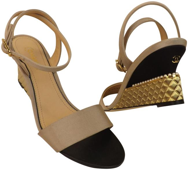 Chanel Beige Grosgrain Silk Cc Logo Quilted Gold Metal Pearls Sandals Size EU 40 (Approx. US 10) Regular (M, B) Chanel Beige Grosgrain Silk Cc Logo Quilted Gold Metal Pearls Sandals Size EU 40 (Approx. US 10) Regular (M, B) Image 1