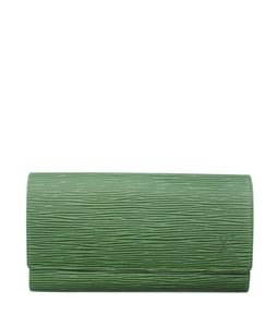 Louis Vuitton Leather Snap Wristlet in Green