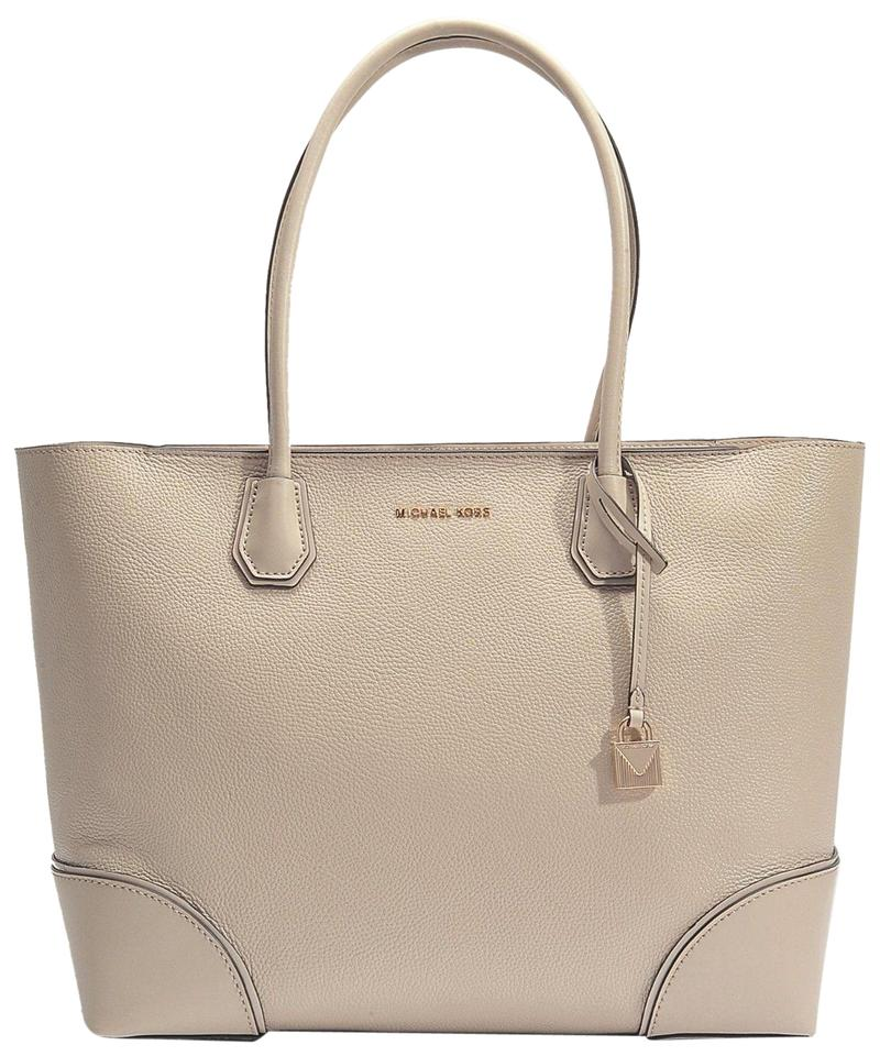 a71c95e939ff Michael Kors Mercer Gallery Medium East West Top Zip Oat Gold Leather Tote
