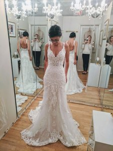 Martina Liana Ivory Lace New/Never Worn Wow-effect Style 817 Feminine Wedding Dress Size 4 (S)