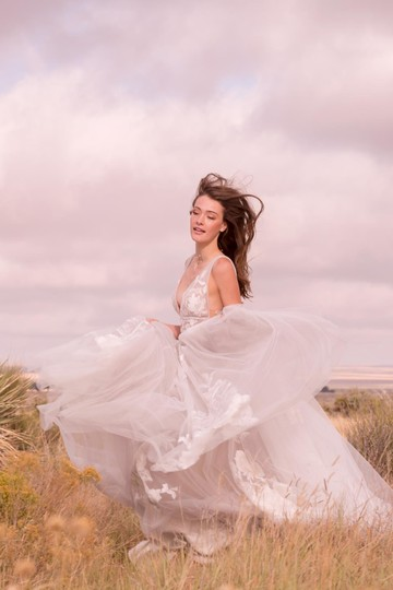 BHLDN Silver Tulle Hearst / Willowby By Watters - Style #44638658 Modern Wedding Dress Size 8 (M) Image 2
