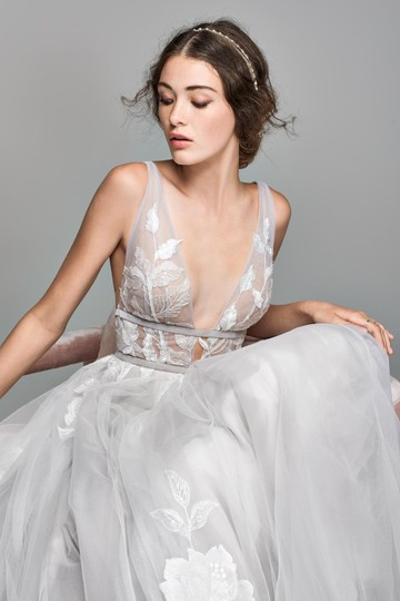BHLDN Silver Tulle Hearst / Willowby By Watters - Style #44638658 Modern Wedding Dress Size 8 (M) Image 3