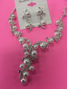 Pearl and Crystal Silver Austrian Necklace Jewelry Set