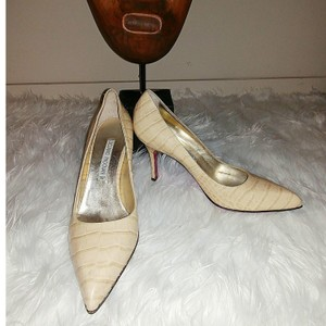 Luciano Padovan Ivory Pumps