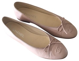 Chanel light blush Flats