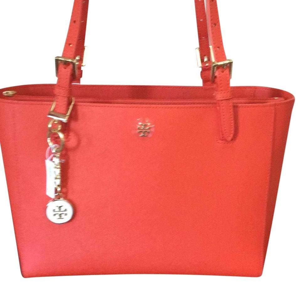 4dcd991dcce8 Tory burch emerson small buckle spiced orange leather tote tradesy jpg  960x904 Tory burch emerson