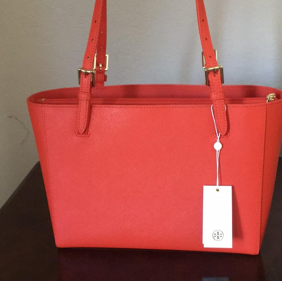 396af79a6d3 Tory Burch Emerson Small Buckle Spiced Orange/818 Leather Tote - Tradesy