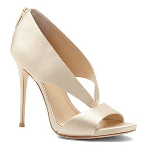 Imagine by Vince Camuto soft gold Pumps