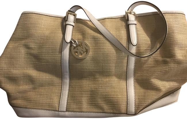 Item - Woven Beige and White Beach Bag