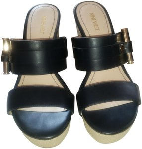 Nine West Navy leather /Tan canvas Wedges