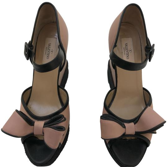 Preload https://img-static.tradesy.com/item/23612156/valentino-black-and-beige-with-bow-wedges-size-eu-40-approx-us-10-regular-m-b-0-1-540-540.jpg