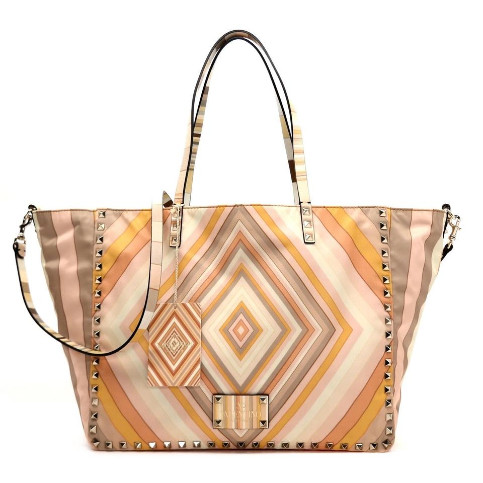846376fc7e1 Valentino Bags on Sale - Up to 70% off at Tradesy (Page 35)