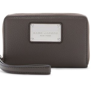 Marc by Marc Jacobs classic leather zip phone wallet