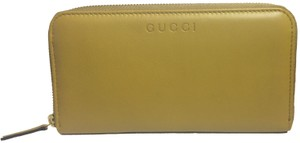 Gucci Gucci Women's Classic Yellow Leather Zip Around Logo Wallet 363423