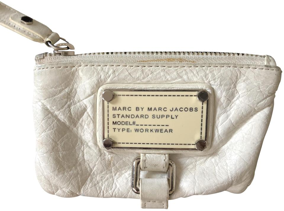 c8fed2908f Marc by Marc Jacobs White Classic Q Key Pouch Wallet - Tradesy