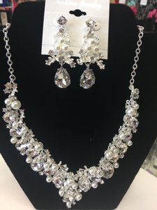 Pearl Crystal Silver And Necklace Jewelry Set