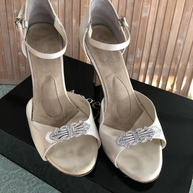 Item - White Dyeable Silk Astoria Ii Sandals Size US 8 Regular (M, B)