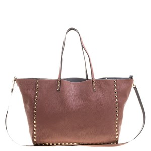 553d405616 Valentino Bags on Sale - Up to 70% off at Tradesy
