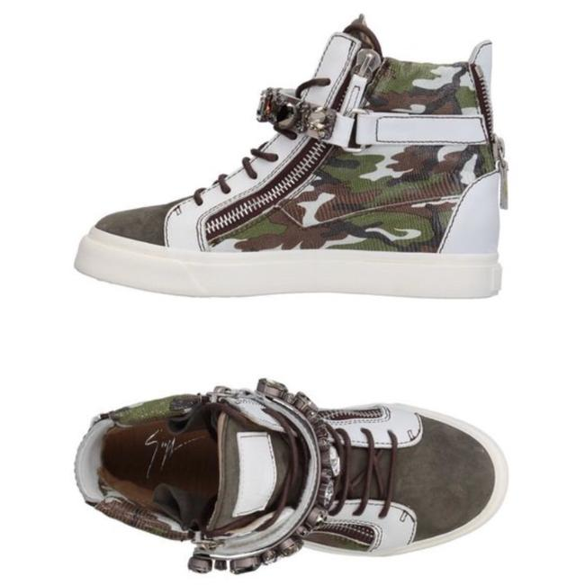 Item - White Green New Sneakers Size EU 37 (Approx. US 7) Regular (M, B)