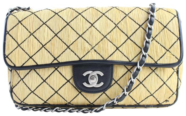 Item - Classic Flap Quilted 14cr0702 Beige Straw Messenger Bag