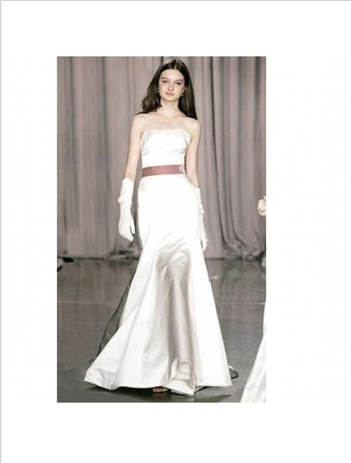 Item - Ivory Satin Nadia Formal Wedding Dress Size 6 (S)