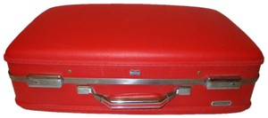 American Tourister Vintage Suit red Travel Bag