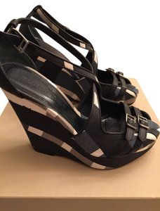 Burberry Navy & white Wedges