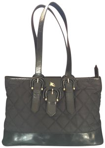 160d67a5b35f Burberry Bags and Purses on Sale - Up to 70% off at Tradesy
