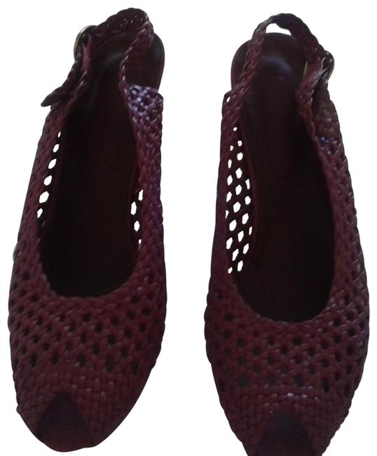 Item - Old Rose Imprinted On Insole.made In Greece. Pumps Size US 7.5 Regular (M, B)